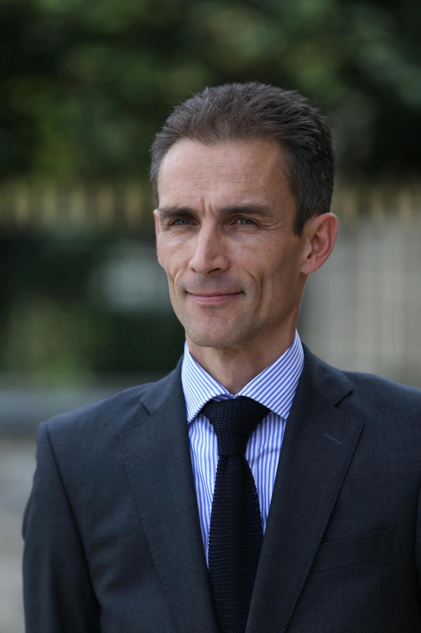 Son Excellence Monsieur Philippe LALLIOT, le nouvel Ambassadeur de France au Sénégal a pris fonction aujourd'hui.