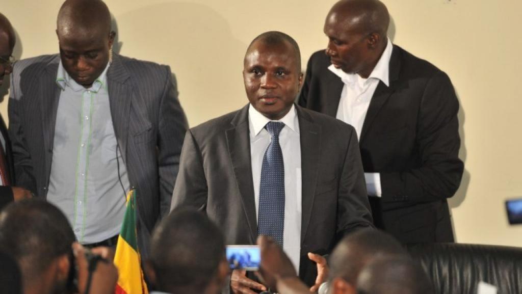 Général de brigade et ancien ministre de l'Intérieur, Moussa Sinko Coulibaly est en cours d'arrestation à Bamako.