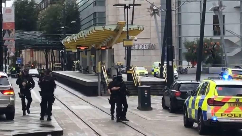 Royaume Uni : Cinq personnes poignardées à l'arme blanche dans un Centre Commercial...