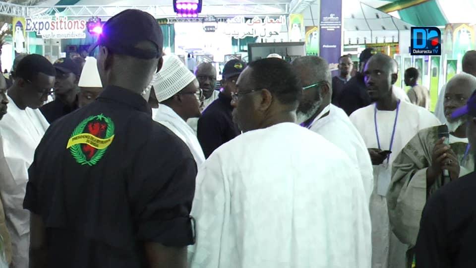 (IMAGES) Le Président Sall a visité l'exposition du dahira Hizbut-Tarquiyah