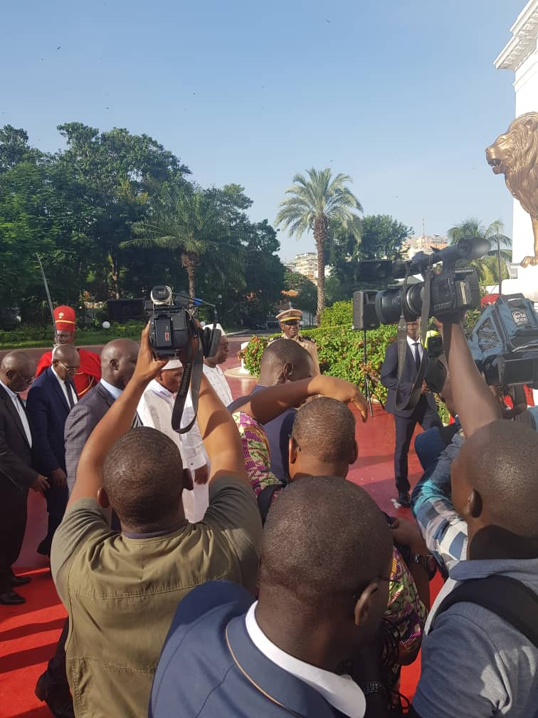 Palais de la République : Me Wade accueilli par le président Macky Sall avec les honneurs.