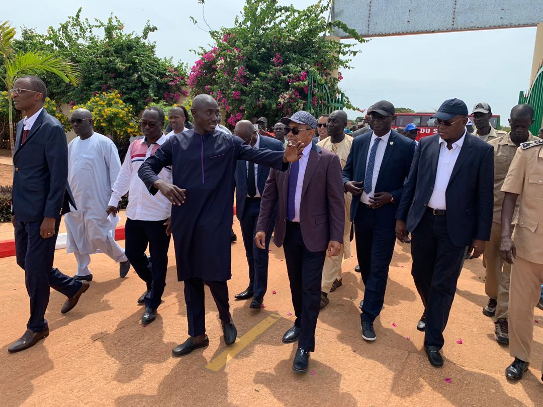 Le président de la CAF Ahmad Ahmad et Matar Bâ ont procédé à l'inauguration du Complexe Sportif de Guéréo.