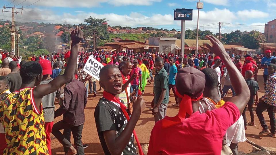 Guinée Conakry : Le projet de réforme de la Constitution brûle le pays