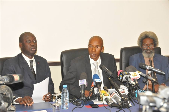 Affaire Karim Wade : Le collectif des avocats de Wade-fils appelle l'Etat à respecter les engagements pris à Genève.