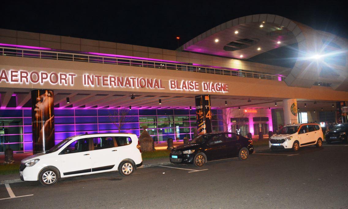 Octobre rose : Illumination de l'aérogare de l'aéroport Dakar Blaise Diagne en rose pour marquer les esprits
