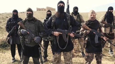Syrie : Plus de 100 jihadistes de l'Etat islamique s'échappent des prisons kurdes.