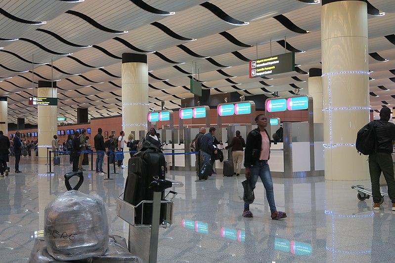 TOURISME : Visa et Fast-tract sont-ils compatibles ?
