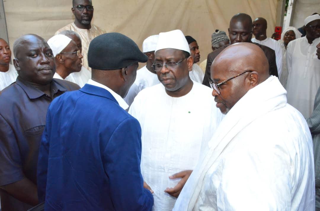 Présentation de condoléances : Macky Sall et Ousmane Sonko chez Alioune Badara Cissé, suite au décès de son fils.