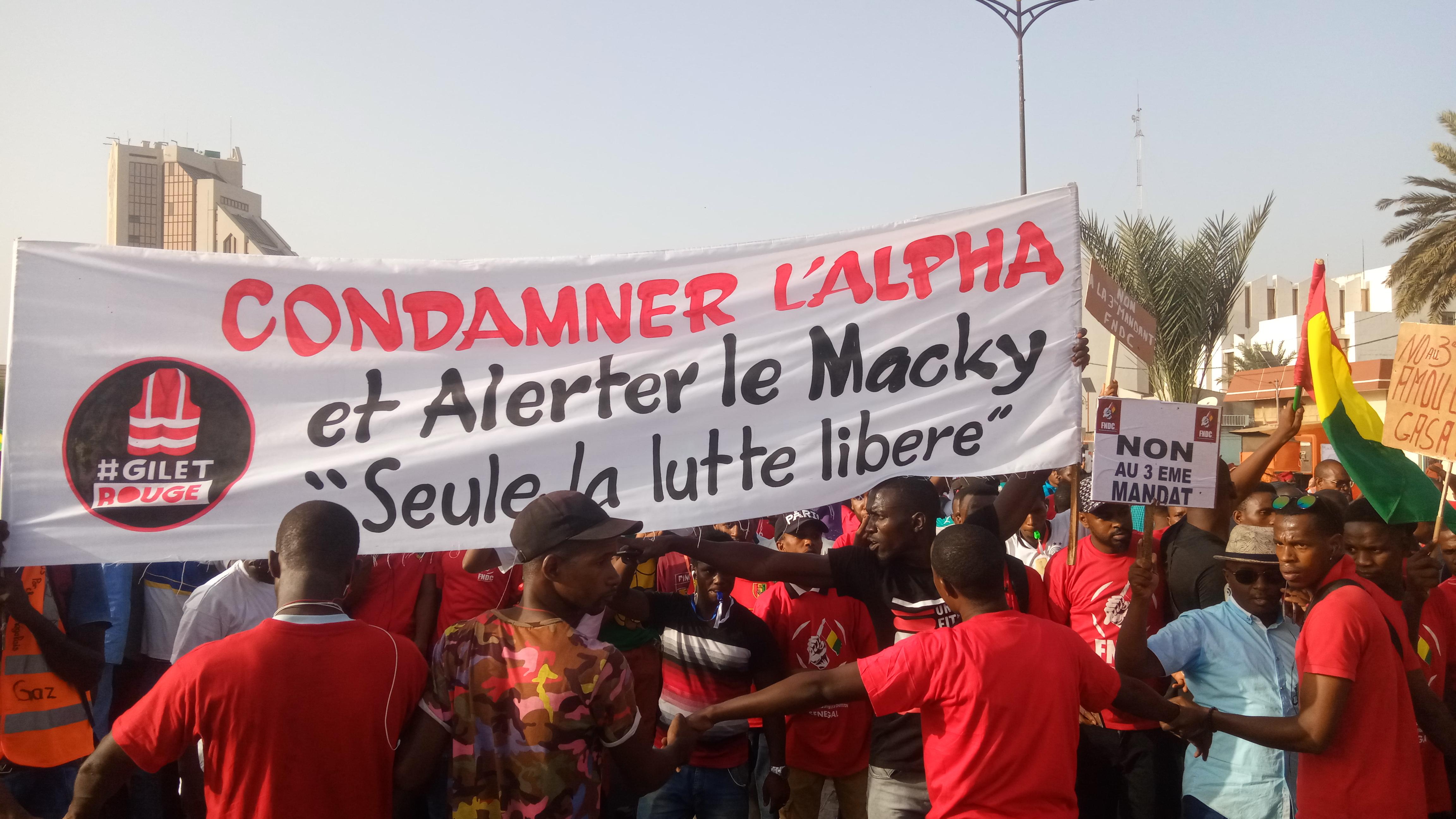 «Condamner l'Alpha, Alerter Macky» : Le message du jour, du peuple Guinéen résidant au Sénégal
