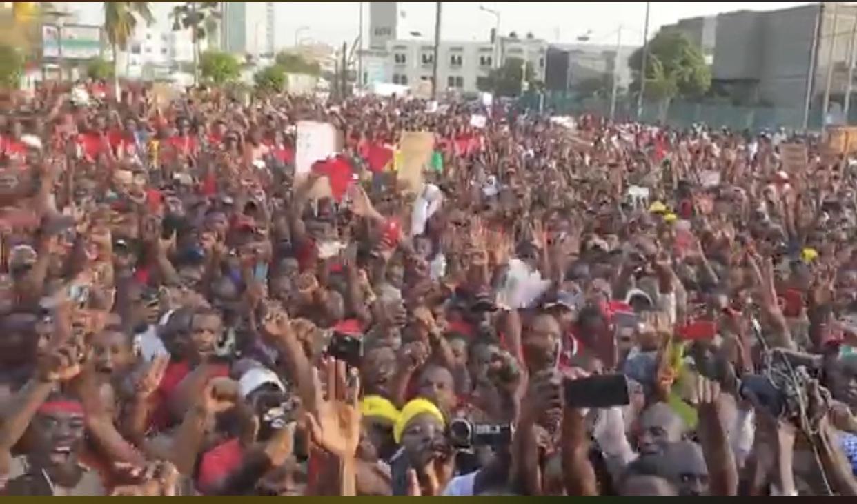 Respect de la constitution : De Dakar, le peuple Guinéen avertit Alpha Condé...