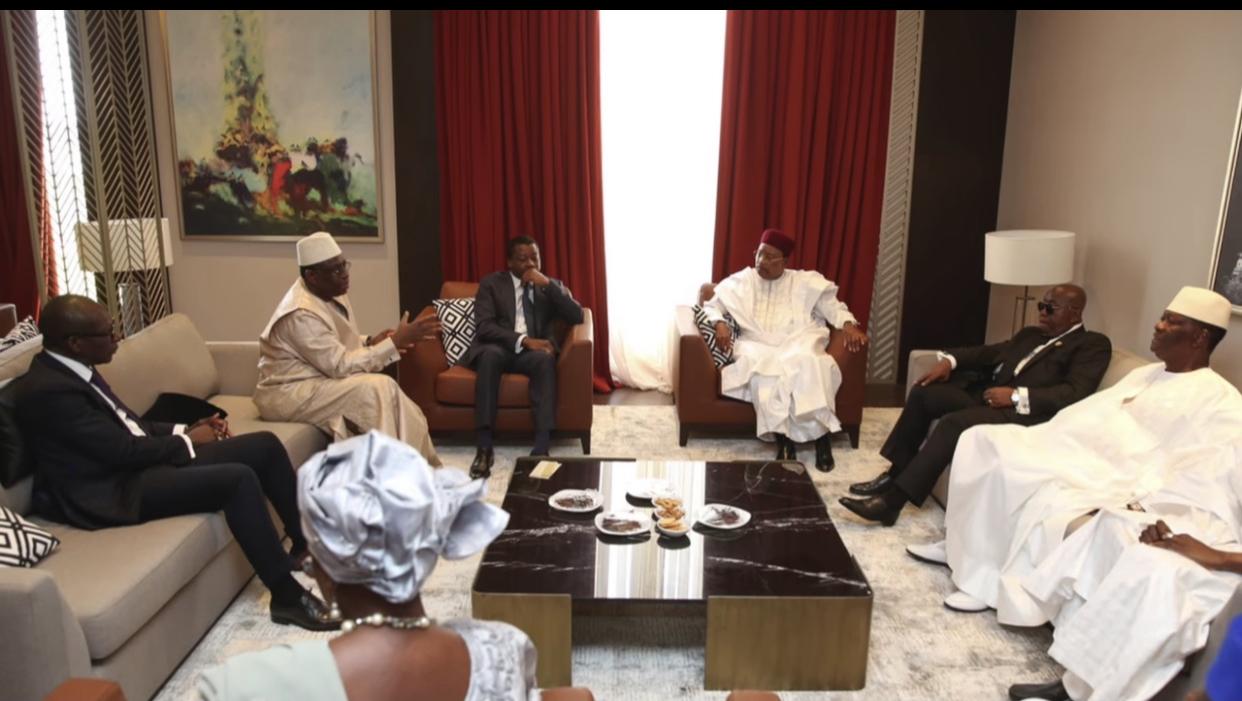 Guinée Bissau : Les mesures fermes issues du Sommet de Niamey pour pousser le président Vaz à lâcher prise.