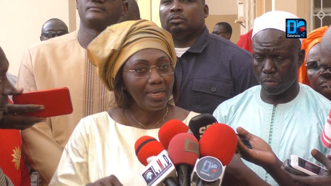 """DIOURBEL / Madame Aminata Tall sur l'objectif """" un million d'emplois """" poursuivi par le Président Sall"""