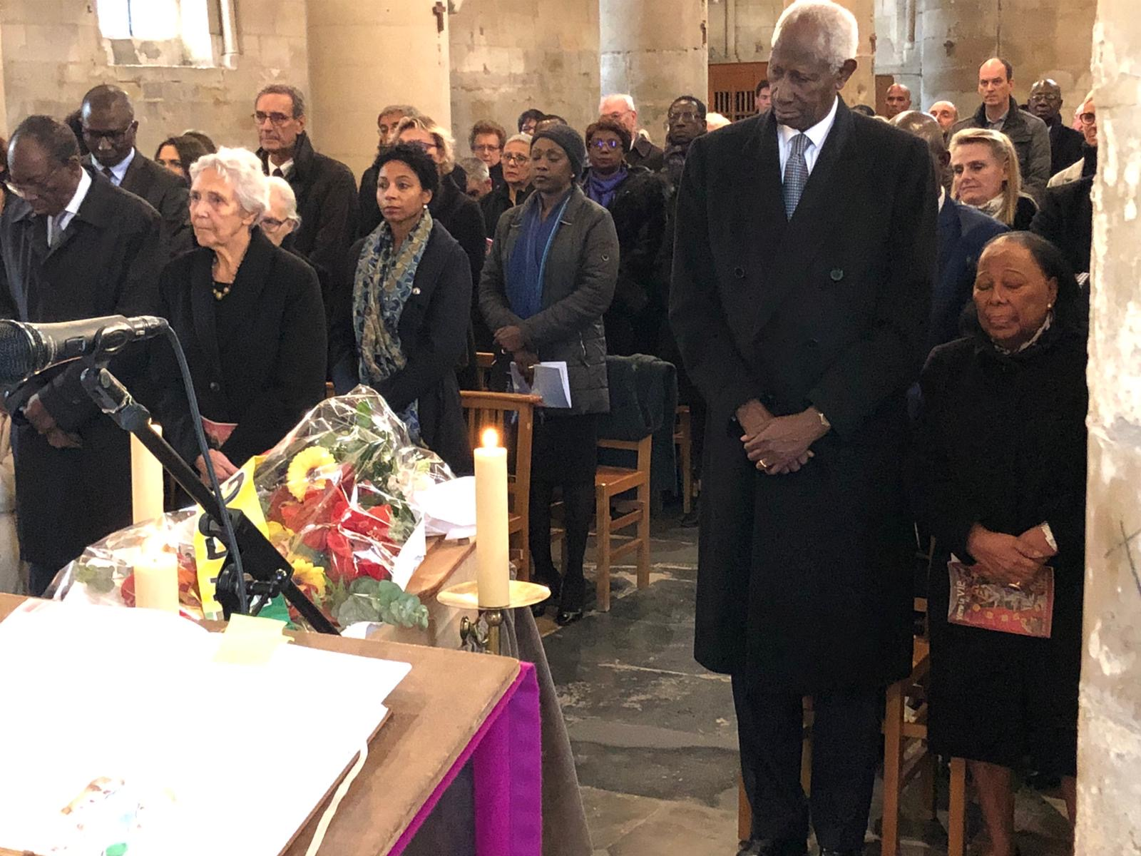 Messe mortuaire pour Colette Senghor à Veron : Abdou Diouf et son épouse ont fait le déplacement