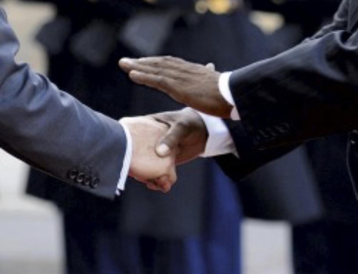 Françafrique : quand les accords de défense contiennent des clauses secrètes et illégales.