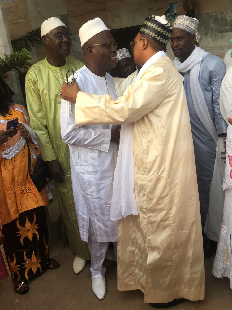 Visite de courtoisie : Khalifa Ababacar Sall chez la famille Omarienne (IMAGES)