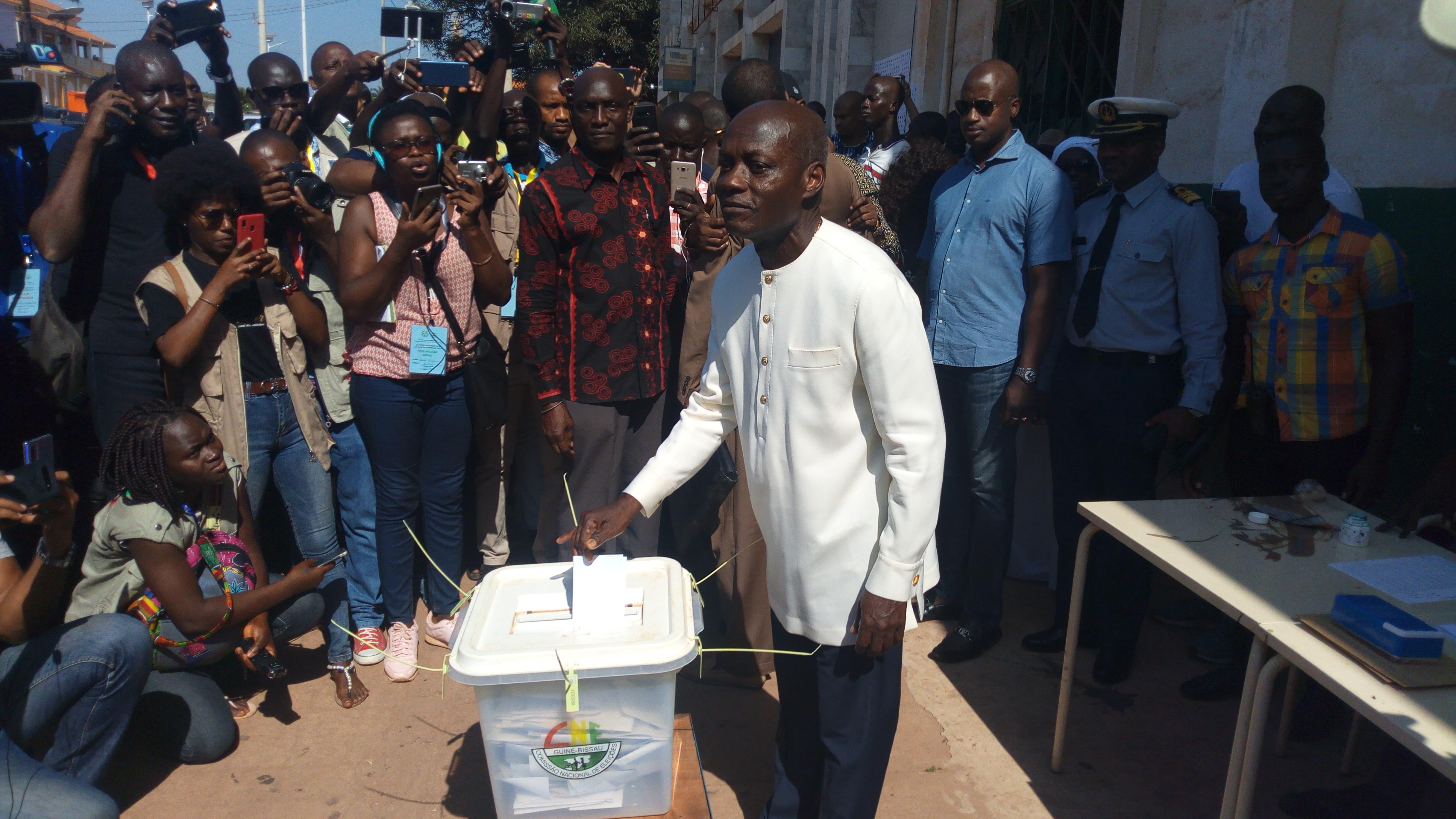 Scrutin présidentiel  en Guinée Bissau: Le président Vaz a voté à Udib et s'est encore attaqué à la communauté internationale.