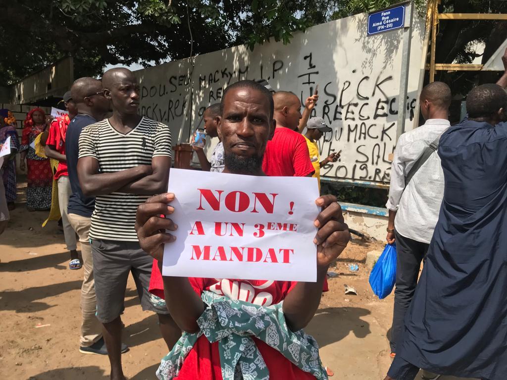 Manifestation contre le Référendum en Guinée : L'opposition investit les axes stratégiques de la capitale.