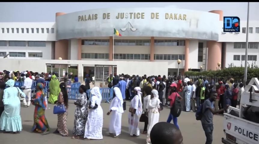 Reportage : Au tribunal, à la rencontre des « amateurs » de procès
