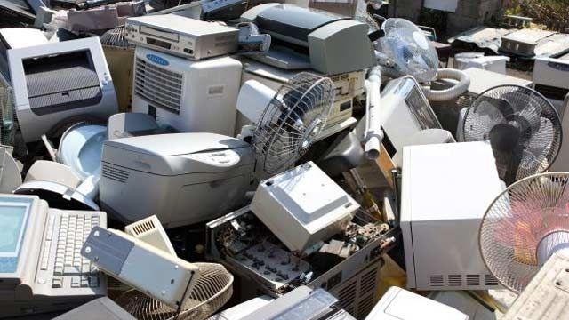 ITALIE / 93 personnes arrêtées dans un trafic international de déchets électroniques : des produits destinés à être éliminés acheminés vers le Sénégal.