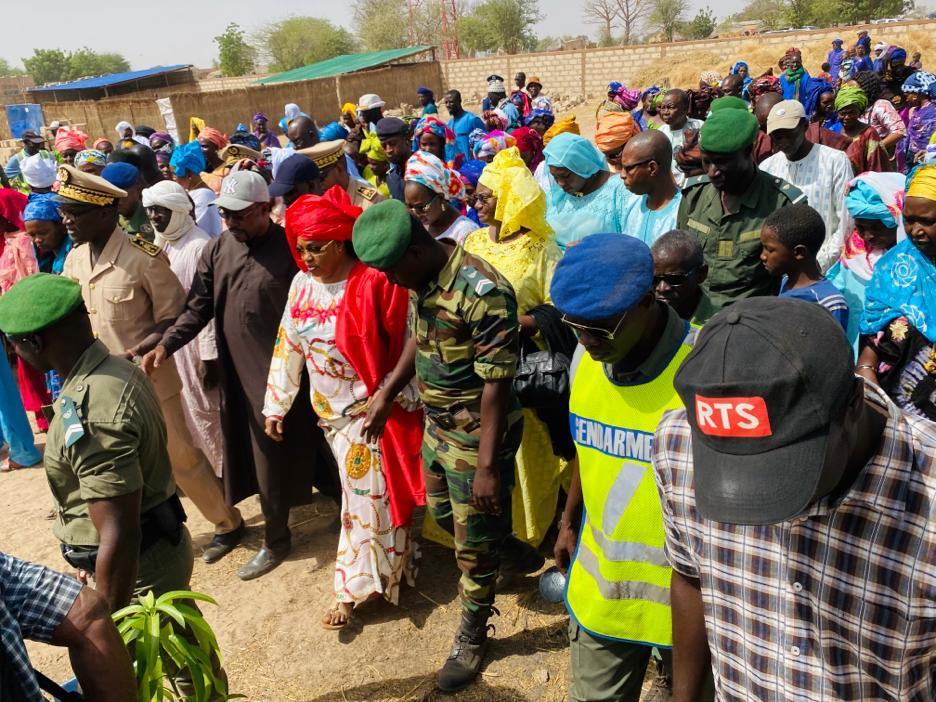 (Images) Visite du périmètre maraîcher des femmes de Vélingara Ferlo dans le département de RANEROU initié par Honorable Aliou Sow Président du Conseil départemental.