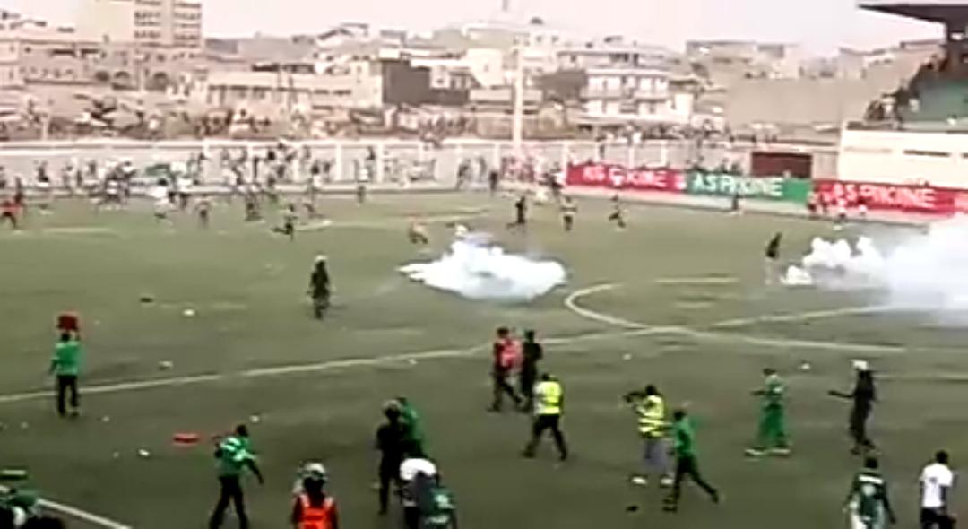 8ème journée Ligue 1 : Bataille rangée entre supporters de l'AS Pikine et ceux du Casa Sports (1-1).