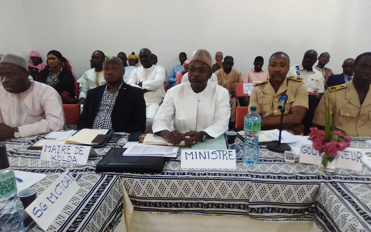 Oumar Guèye, ministre de collectivités territoriales à Kolda : « Il faut revoir la problématique de la masse salariale… Est-ce qu'on peut continuer toujours à payer des agents à ne rien faire? »