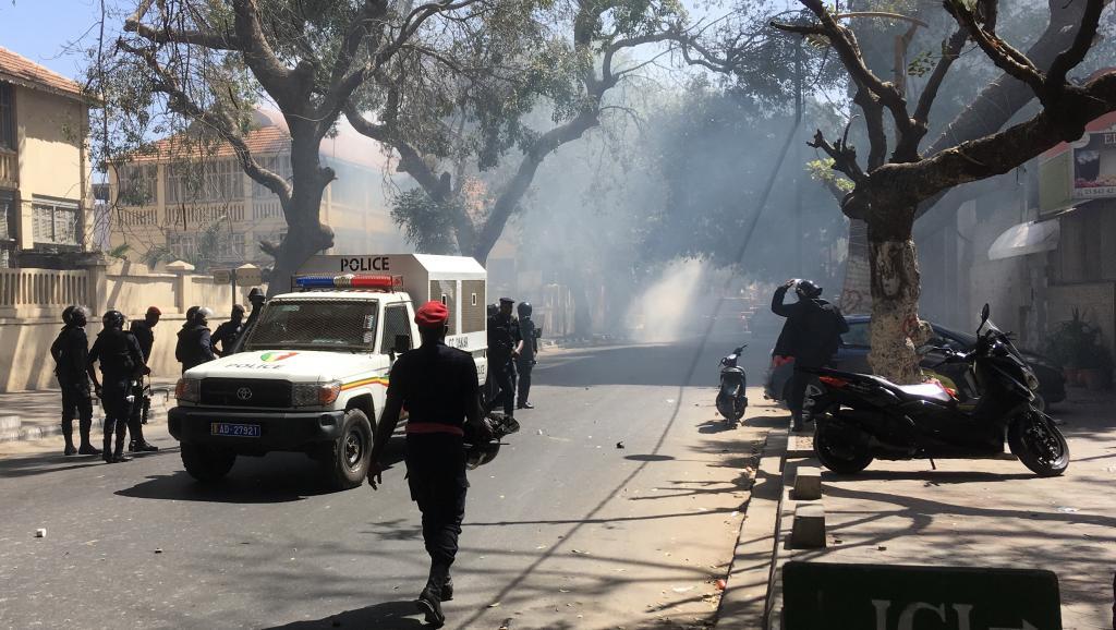 Kaffrine / Ussein : Affrontements entre policiers et étudiants.
