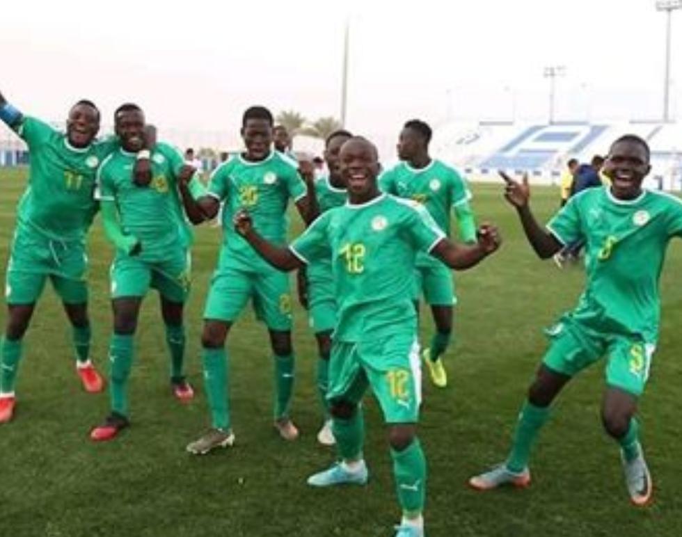 """Football / Coupe arabe U20 : Samba Diallo signe un triplé contre le Bahreïn et envoie les """"Lionceaux"""" en demi-finale."""