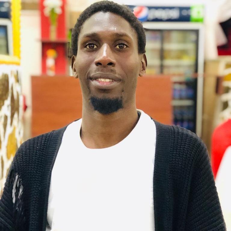 Deux ans après son expulsion d'Italie pour présumé radicalisme religieux, Mame Fily Sall se confie à Dakaractu : « J'ai été accusé à tort... Je vais rebondir! »