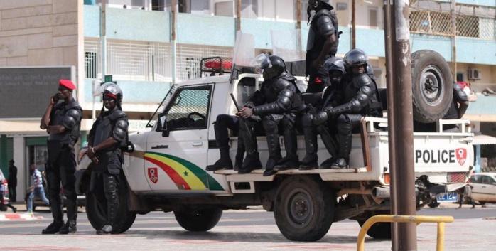 Premier jour de couvre-feu au Sénégal : Ces images qu'on n'aime pas voir de la police.