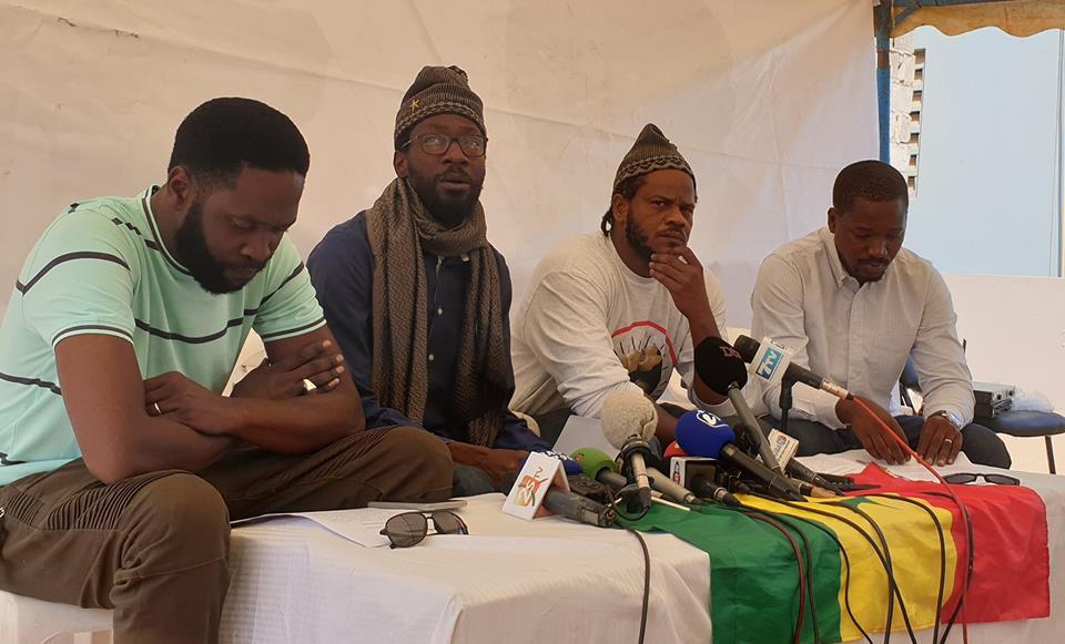1er jour de couvre-feu : Le mouvement Y'EN A MARRE liste les manquements et condamne «les actes de violence exercés par les forces de l'ordre»
