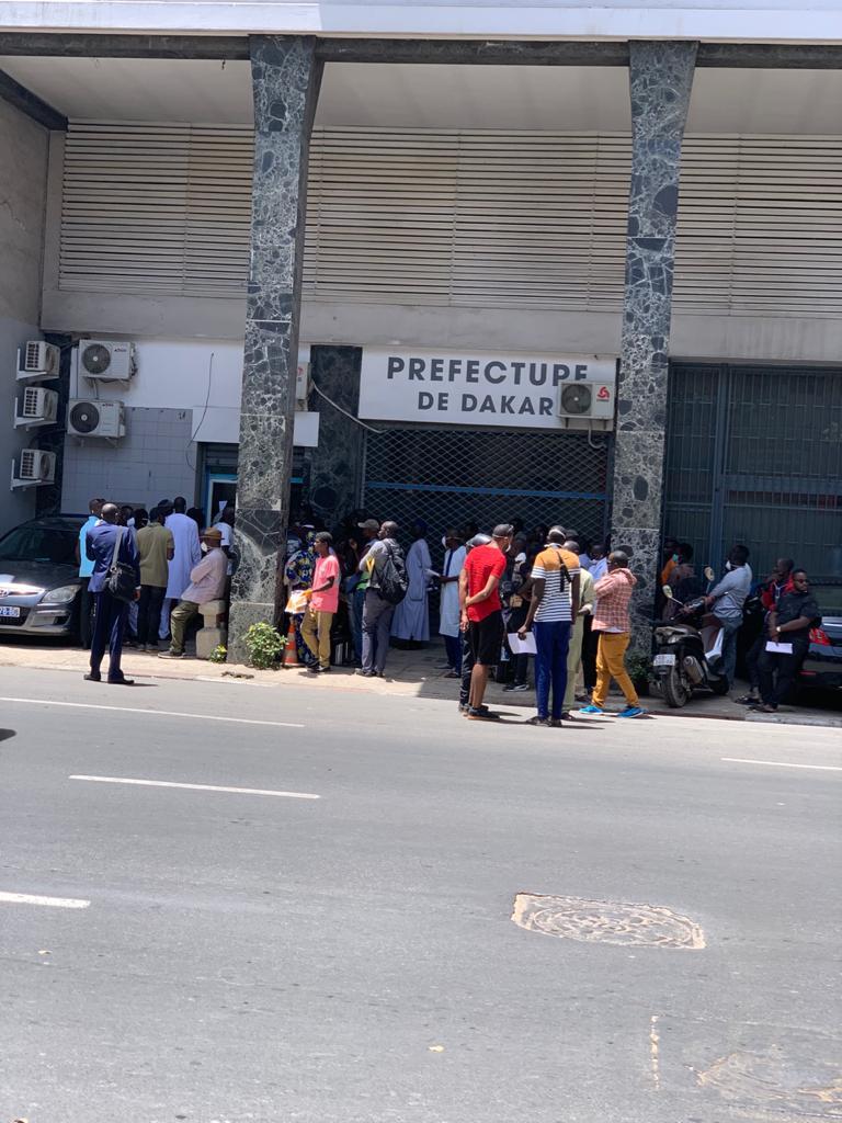 Rassemblements interdits : La préfecture de Dakar grouille de monde.
