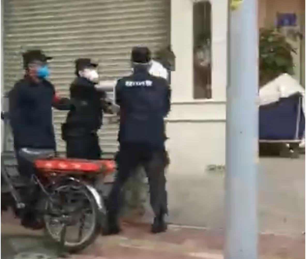 Guangzhou : Les forces de sécurité font subir des exactions à des sénégalais / Quarantaine « forcée » pour les africains.