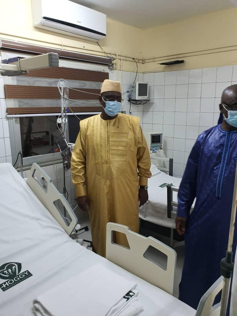 COVID-19 : Le président Macky Sall effectue une visite surprise à l'hôpital Général de Grand-Yoff.