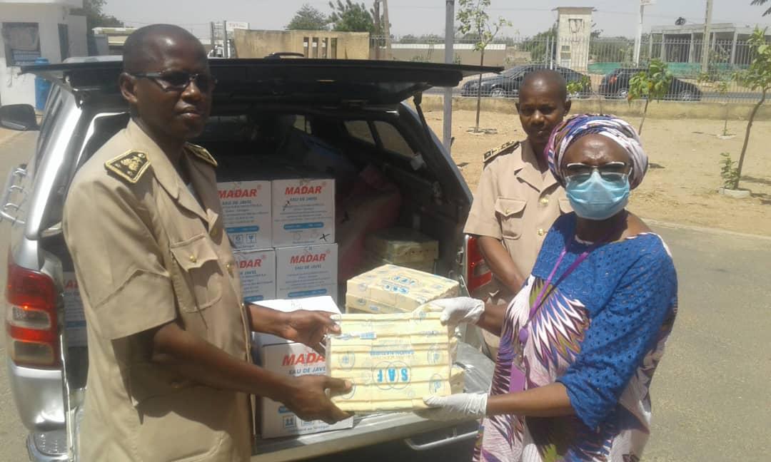 Fatick, Foundiougne, Gossas, Sokone : 114 cartons d'eau de javel et 114 cartons de savon remis par « Femmes Plus »
