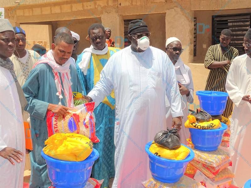 (IMAGES) KÉBÉMER - Serigne Bass Khadim Awa Bâ offre des denrées alimentaires à 45 daaras
