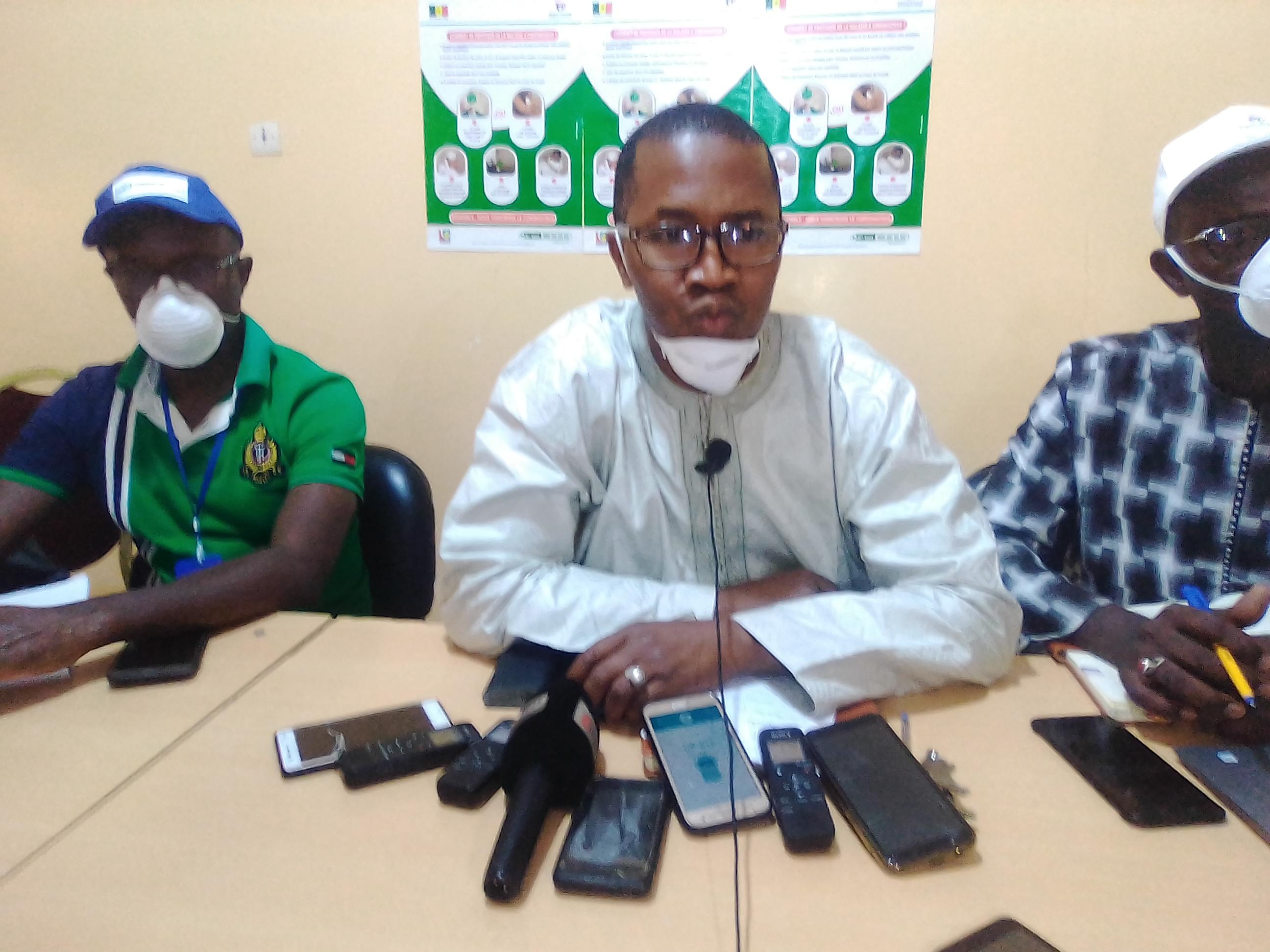 KOLDA / Yaya Baldé, médecin-chef de région : « Les femmes enceintes et les femmes-mères ont peur d'être contaminées en fréquentant les hôpitaux pour vacciner leurs enfants… Cela nous inquiète beaucoup… »