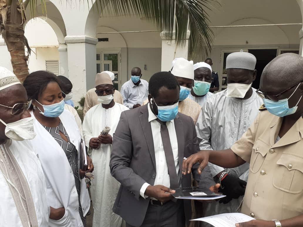 Lutte contre le Covid-19 : Mbaye Guèye EMG fait un don de matériel, vivres et autres d'une valeur de 60 millions.