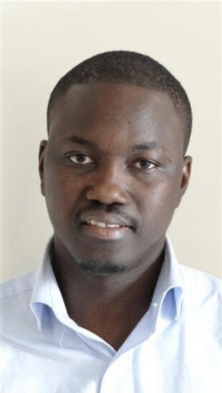 « In medio stat virtus » (Par Dr Khadim Ngom)