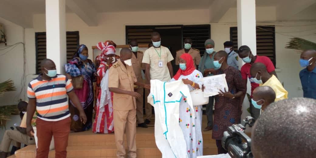 Mamadou Kassé, DG de la SICAP SA et son Association ANKA WOULI dotent l'Hôpital régional de Tambacounda d'équipements de protection individuelle