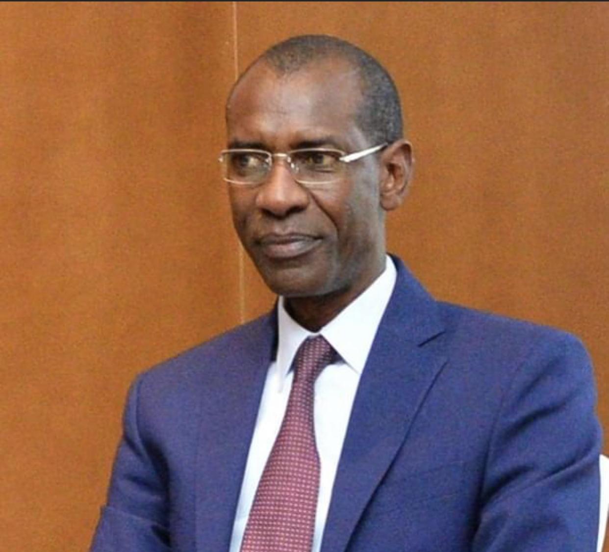 Abdoulaye Daouda Diallo testé négatif à la COVID-19 après avoir été en contact avec le Maire Aliou Sall.