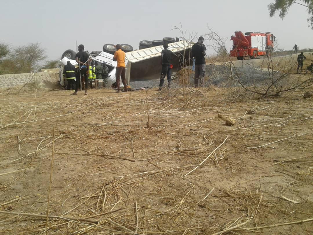 Accident sur la route de Mbour : Le chauffeur du camion (Th-14-54B) meurt sur le coup.