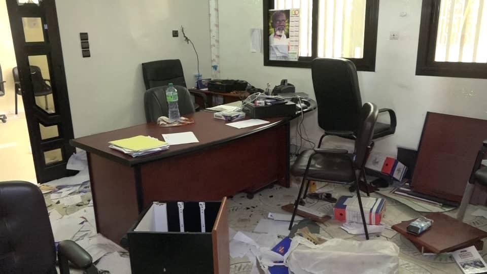 ( IMAGES) Saccage de la Senelec de Touba / Le chef de gestion et contrôle estime les dégâts à  25 millions...05  casseurs déjà arrêtés