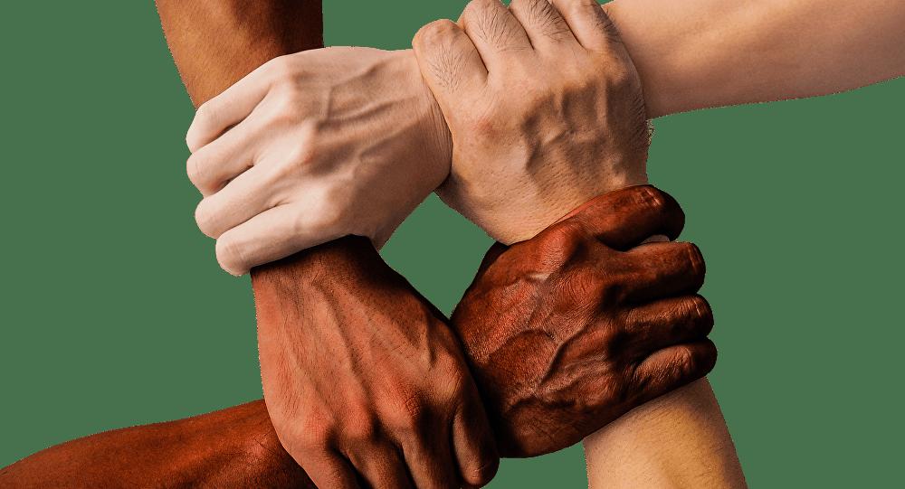 ÉRADIQUER LE CANCER DU RACISME DANS LE MONDE. (Droits de l'hommistes)