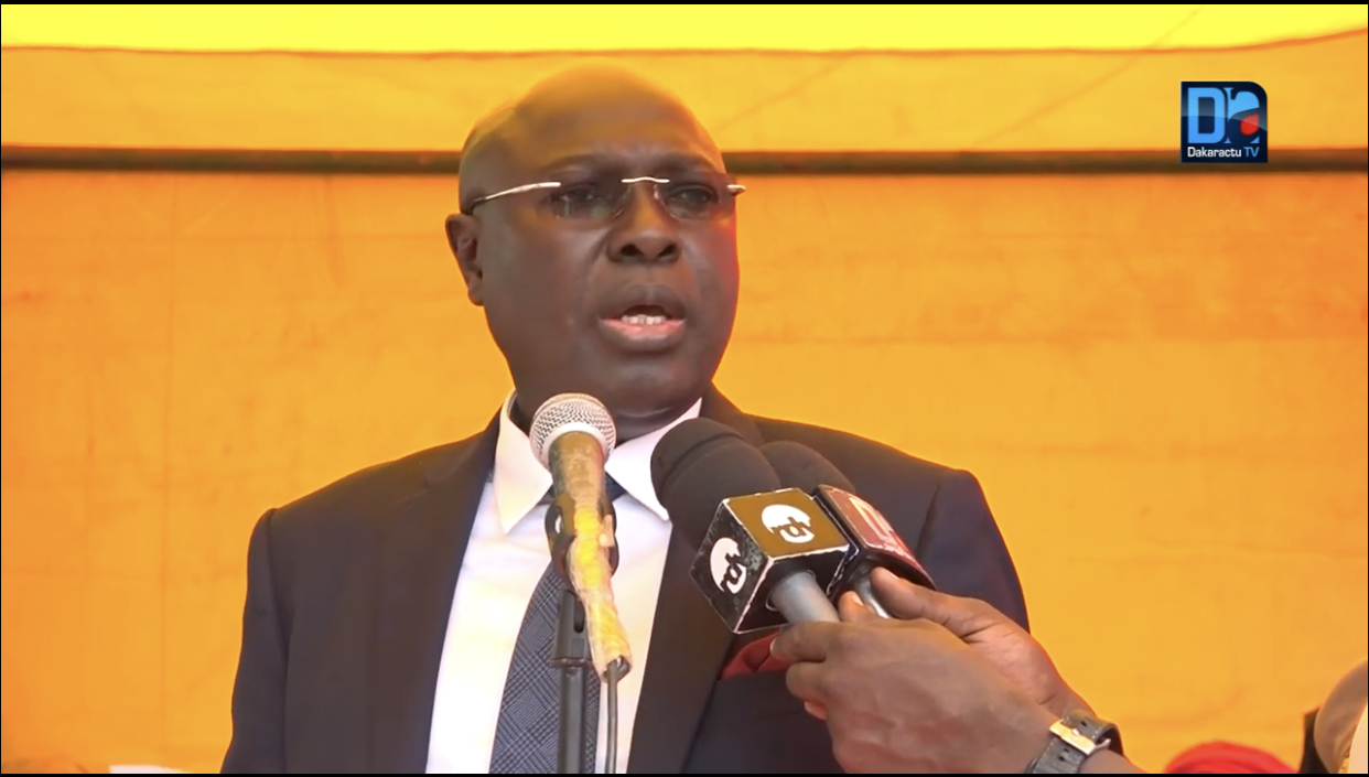 Annoncé malade de la Covid 19 : Le Professeur Arona Coumba Ndoffène Diouf assure se porter bien