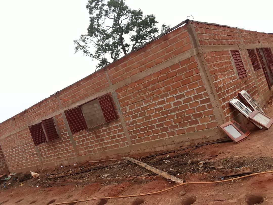 Vent violent à Coubanao / Simon Coly, enseignant : « Pour le toit seulement, j'ai dépensé 2.500.000f Cfa »