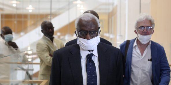 Justice : Quatre ans de prison et 500 000 euros d'amende requis contre Lamine Diack