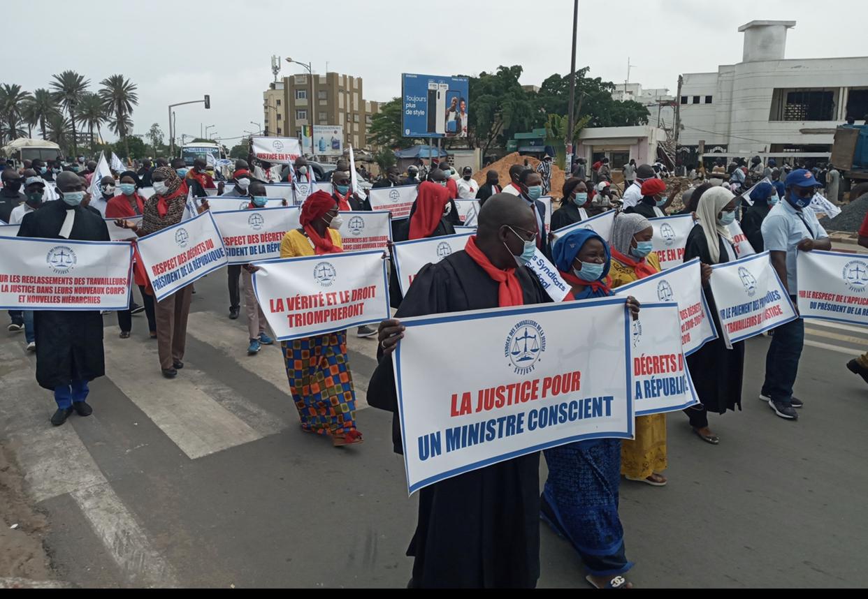 Marche de protestation : Le SYTJUST exige l'application du protocole d'accord signé avec le gouvernement.