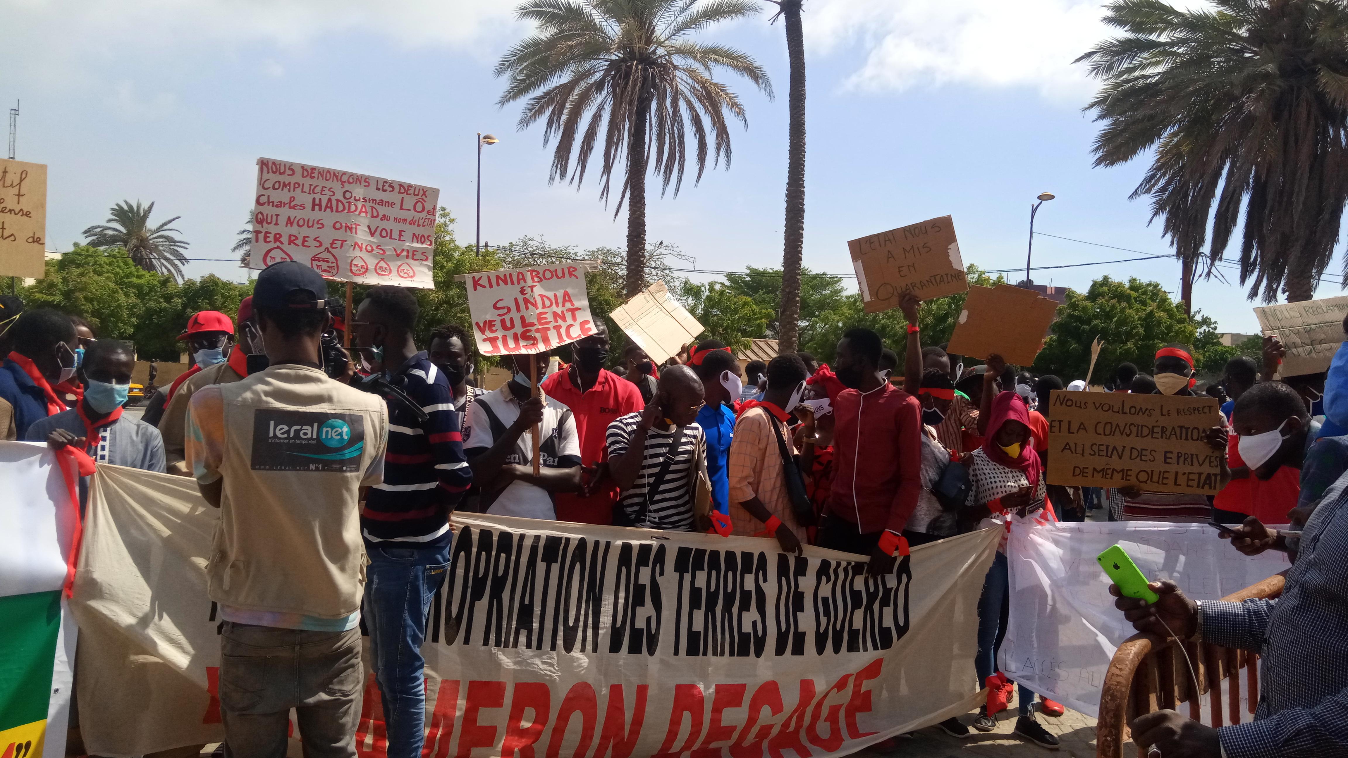 """Marche de protestation NIO LANK, AAR LINU BOKK, DOY NA : Une manif aux allures de """"fiasco"""" malgré l'engouement."""