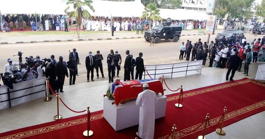 Disparition : L'hommage du président Adama Barrow, à l'ancien international Gambien, Biri Biri